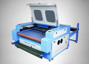 Automatic LCD Touch CO2 Laser Cutting Machine For Fabric / Garment